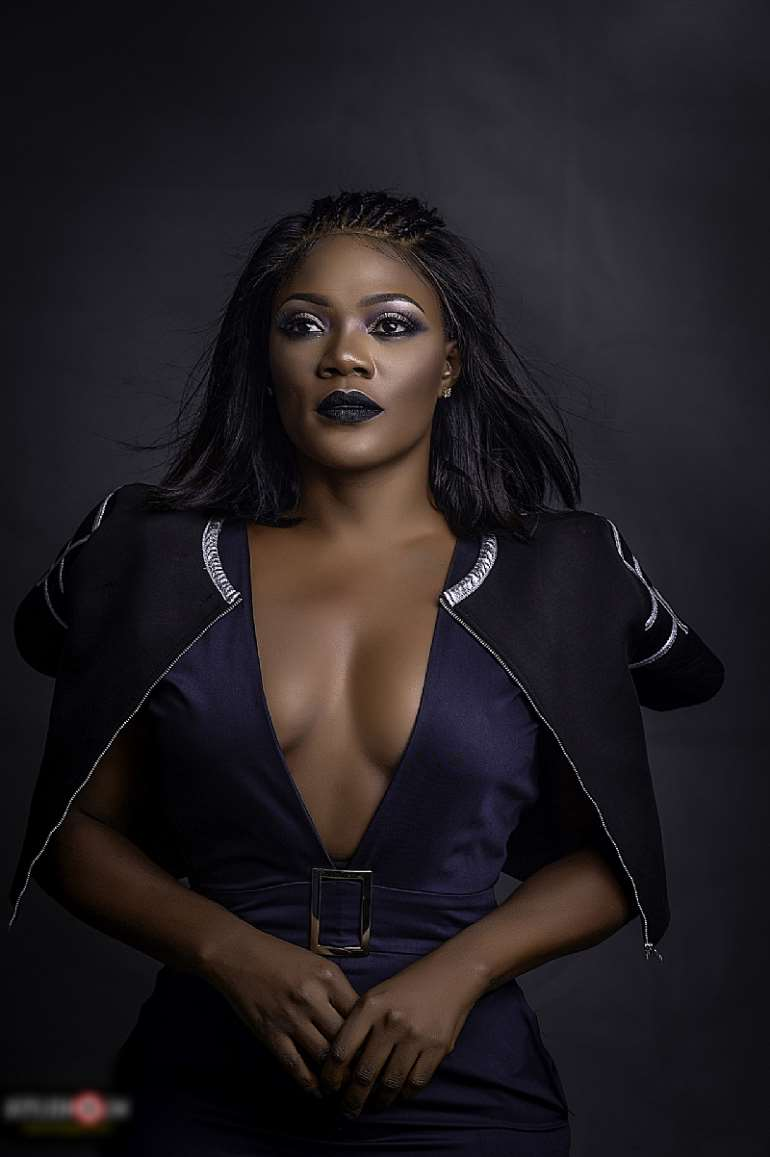 Bayray Mcnwizu Releases Sexy, Sultry And Enchanting Pictures