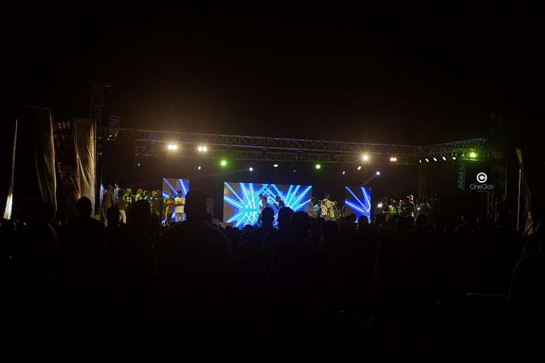 Total Shutdown! Stonebwoy Electrifies WatsUp TV Legon SRC Concert