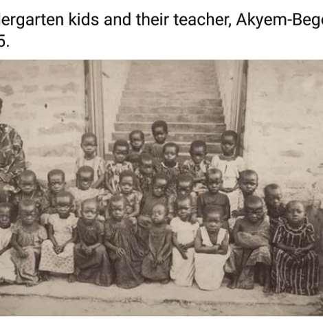 Kindergarten kids and their teacher, Akyem-Begoro