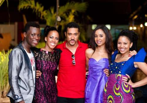 MAJID POSES WITH ORGANISERS