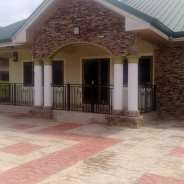3 BEDROOM EXEC HOUSE AT ADJIRINGANOR FOR RENT