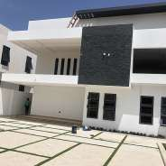 Luxurious 4 bedrooms houses with swimming pool