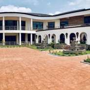 Luxurious 6 Bedroom House with Pool at East Legon