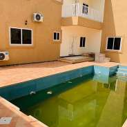 Luxurio 5 Bedroom House with Pool for s