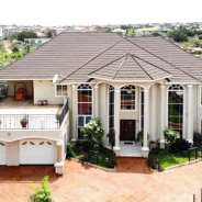 Luxurious 6 bedrooms house 2 boys quarters for sal