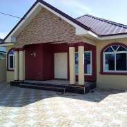 Executive 3 bed rooms house for sale spintex road