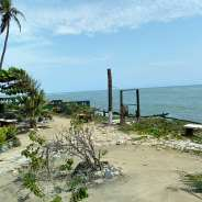 2Bedroom House For Sale at Ningo Beach