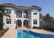 Executive 5 bedrooms house with pool for rentals