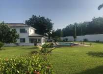 House with pool for rent at Airport