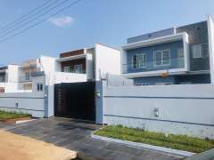 Executive 4 bedrooms house 1 boys quarters for sal