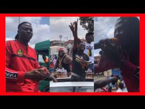 Stonebwoy & Lil Win Shares 1ghc Note To His Fans In Kumerica (Video)