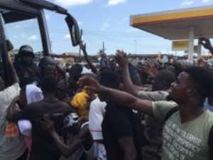 VIDEO: Black Stars Receive Ecstatic Reception At Mankessim En Route To Cape Coast