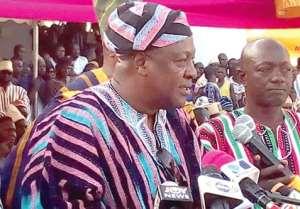Former President John Mahama addressing a durbar to climax the Dumba festival