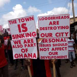 Swedru Youth Demonstrate Again To Demand Continuation Of Mahama Roads