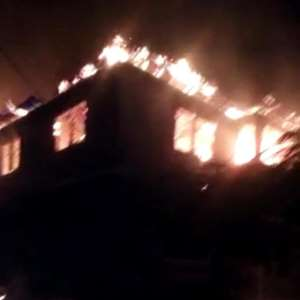 Fire Destroys 2-bedroom Building At Obuasi