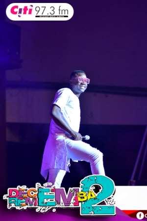 Nigerian Comedian Bash Thrills #D2R2017