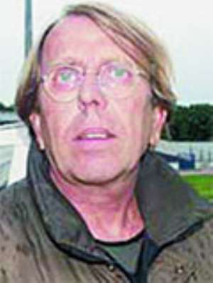 DON`T LEAVE•Le Roy cautions local players