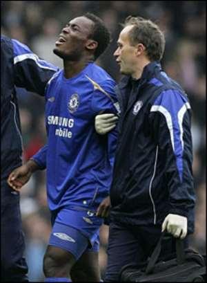 Mourinho: Essien can't walk