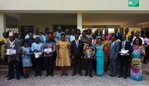 The Vice Chancellor (middle, front row) with the awardees