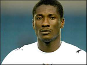 Everton swoop for A. Gyan