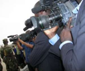 North Korea 'holds US reporters'