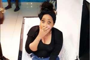 Daring Nollywood Actress, Moyo Lawal Sleeps inside Coffin