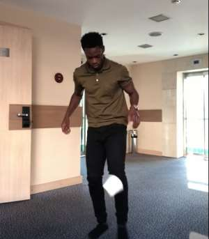 Ghana's Edwin Gyasi Joins Stay At Home Challenge With Toilet Roll Amid Coronavirus [VIDEO]