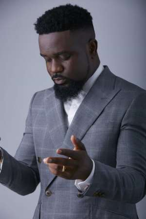 Coronavirus: I'm Fine Out Here, Sarkodie Informs Fans