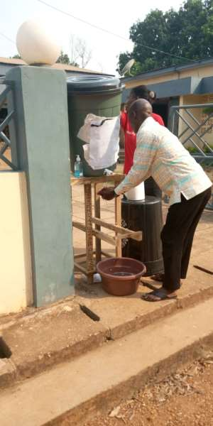 Akatsi South DCE Fights Opposition MP Over Who Should Distribute Veronica Buckets