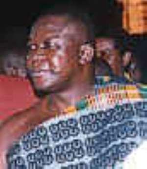 Asantehene performs Queens Baton Relay