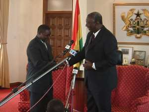 Azumah to present Hall of Fame ring to President