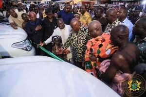 Akufo-Addo Gives 8 Cars To Western North RCC