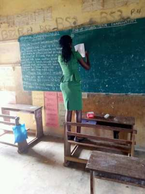 This Female Teacher Wrote End Of Term Exams On A Chalkboard