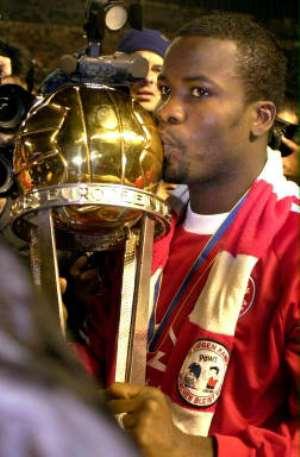 Bayern bid Kuffour farewell
