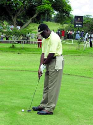 Organise golf in a more business-like manner - Asantehene