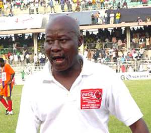 Jones Attuquayefio resigns as Benin coach