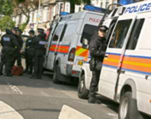 UK police search for chemical bomb