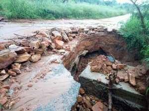 E/R : Akosombo-Gyakiti Road Turns Death Trap After Years Of Neglect