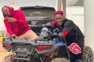 Shatta Wale Surprises Medikal with Thousands of Cedis at Home (Video)