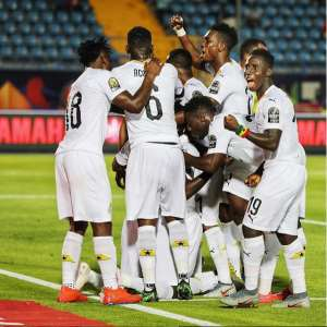 AFCON 2019: Stephen Appiah Congratulates Black Stars Players After Roun 16 Qualification