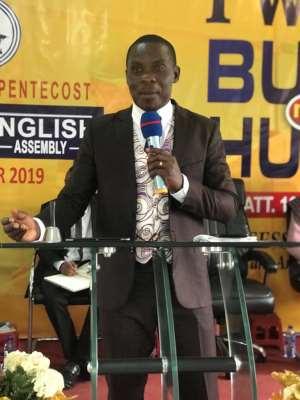 Pentecost Elder Descends On Prophet Badu Kobi
