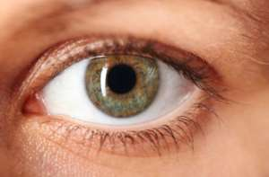 Notice flashes or black spots in your vision?  You might be experiencing eye floaters