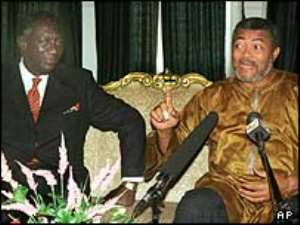 Rawlings (r) accepted electoral defeat by Kufuor (l)