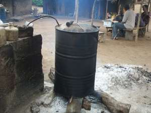 Ghanaians consume 40 million gallons of Akpeteshie annually