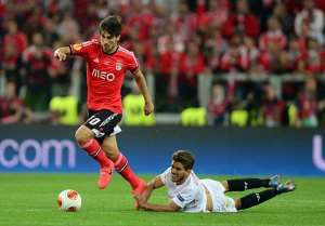 Valencia confirm the signing of Andre Gomes from Benfica