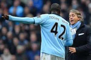"""Yaya Touré :  """"I want a new Man City deal or I'm off"""""""