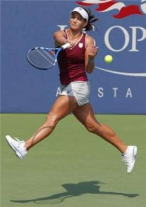 Tennis : Scheepers advanced to the second round
