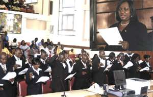 Chief Justice Swears In New Career Magistrates