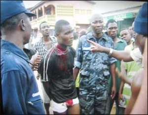 Cop grabbed for armed robbery