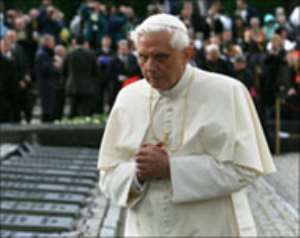 Pope leads Auschwitz remembrance